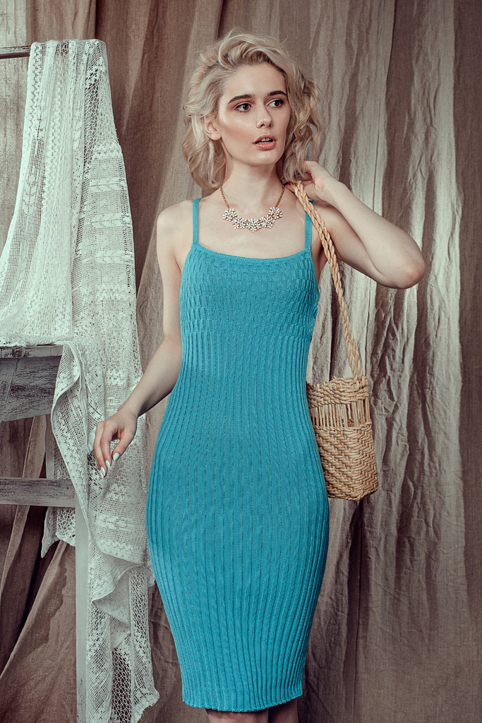 бирюзовое летнее платье по фигуре