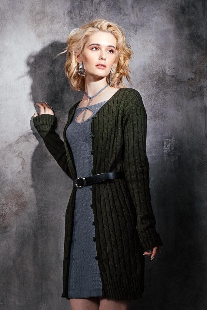 пальто вязаное зеленого цвета косы