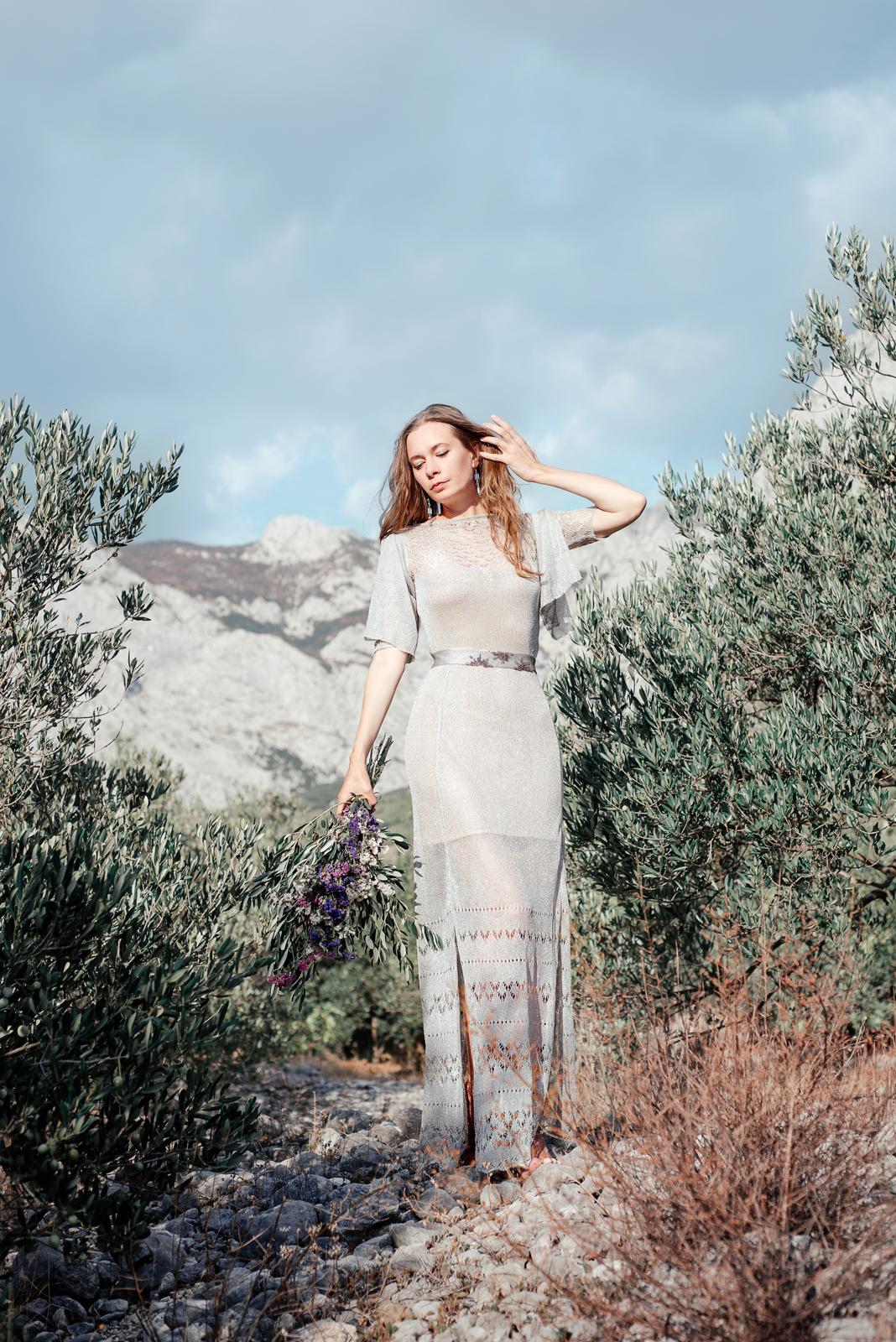 полупрозрачное платье с вышивкой длинное свадебное платье