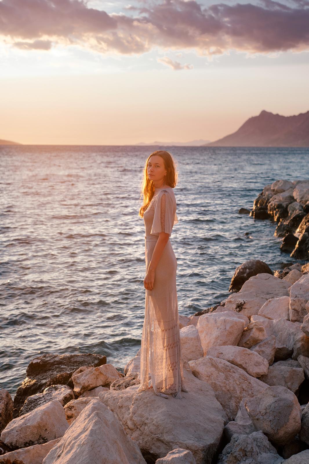 дизайнерское свадебное платье серебряное вязаное свадебное платье закат